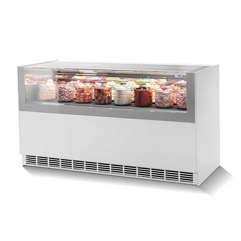 Foto de una vitrina refrigerada exhibiendo postres y helados