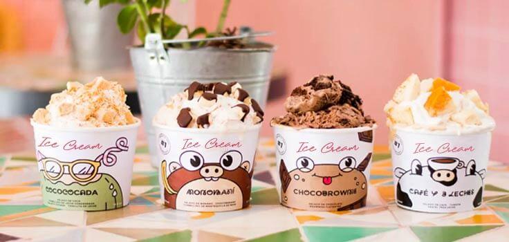 envase para helado con dibujos personalizados y helado de chocolate