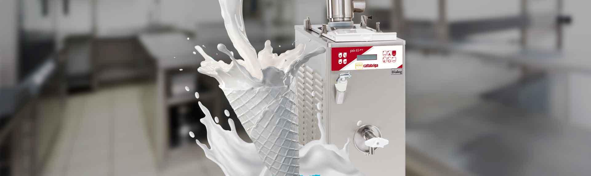 Máquina pasteurizadora para helados frente leche cayendo y formando un cono de helado portada de artículo