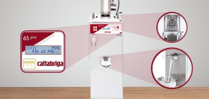 pasteurizadora para helados con zoom en la parte de la pantalla, parte superior y llave por donde sale la mezcla ejemplificando una interfaz sencilla